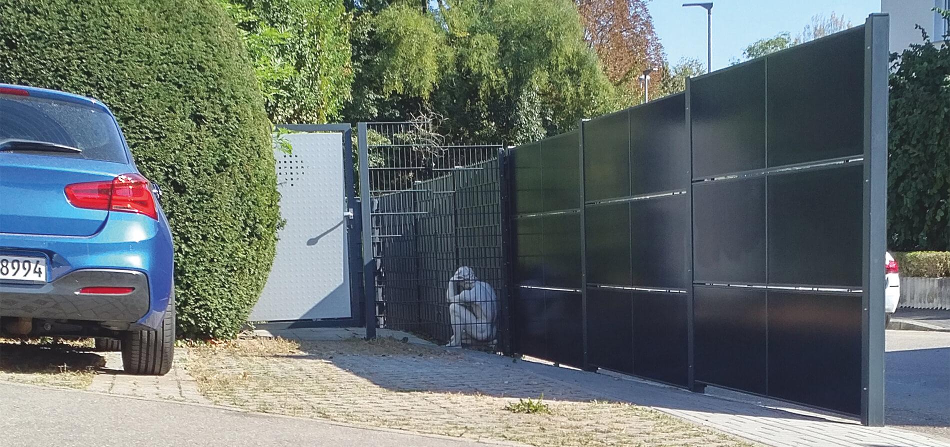 SolarZaun Solar Zaun installiert Pilotprojekt