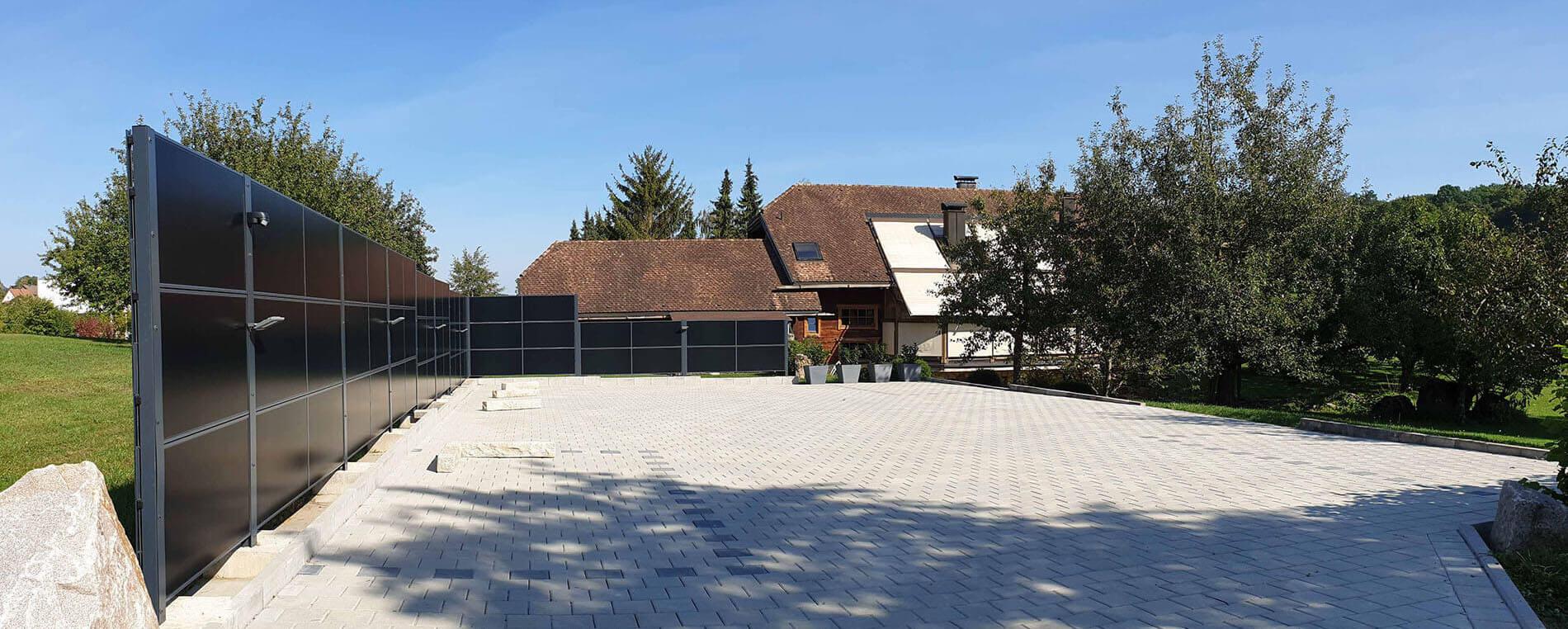 SolarZaun Referenz am Wohnhaus in Gechingen
