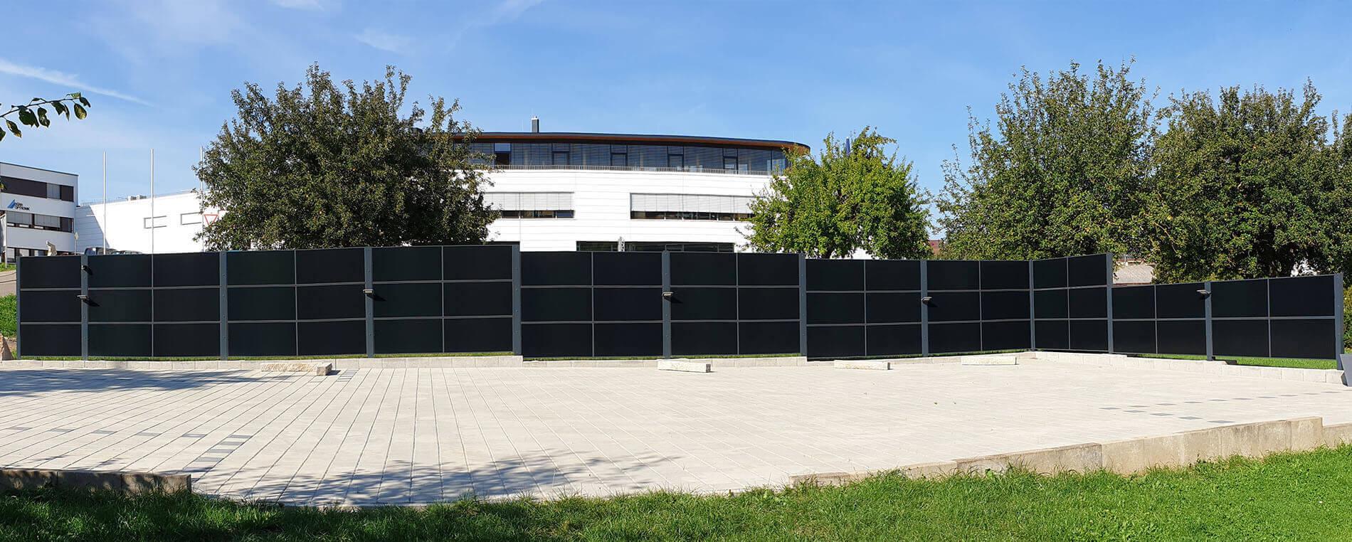SolarZaun Referenz im Gewerbegebiet in Gechingen