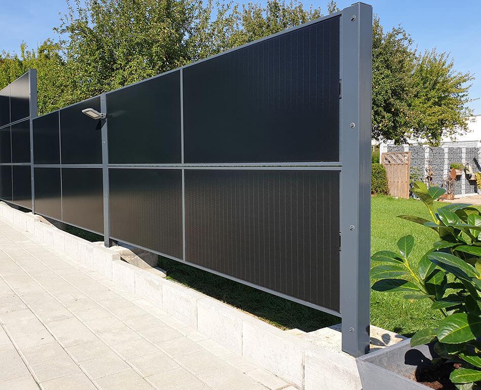 SolarZaun Installation am Wohnhaus in Gechingen