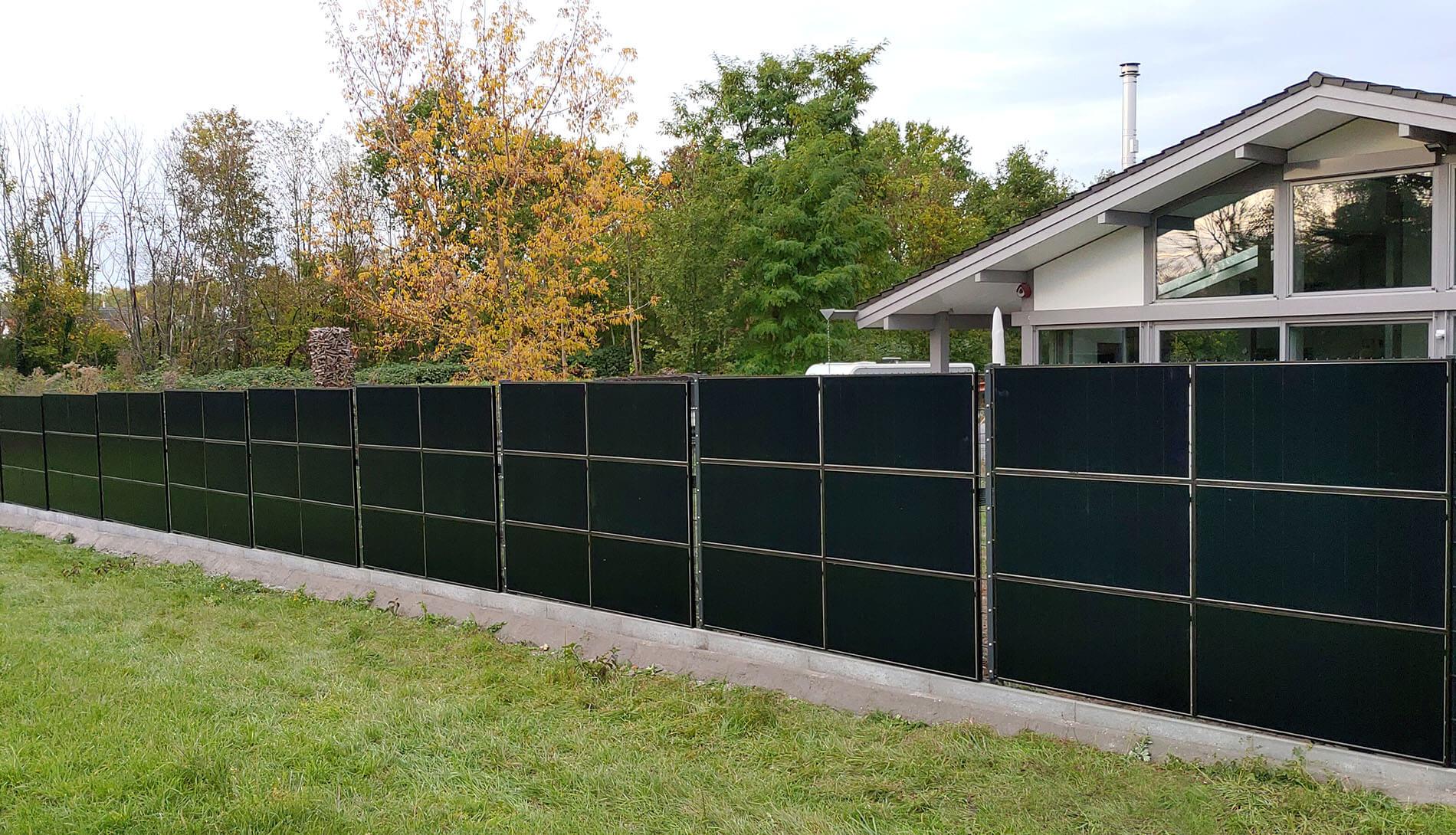 SolarZaun Installation am Wohnhaus in Taucha bei Leipzig